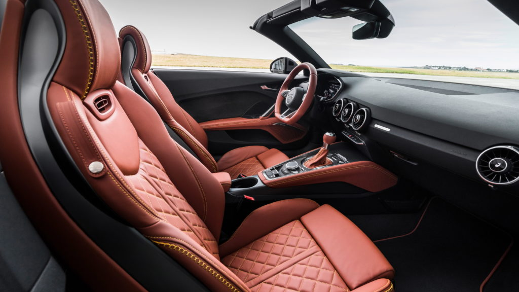 An Audi TT With A Killer Interior Like Never Before, That's How They Celebrate 20 Years Of The Car! 4